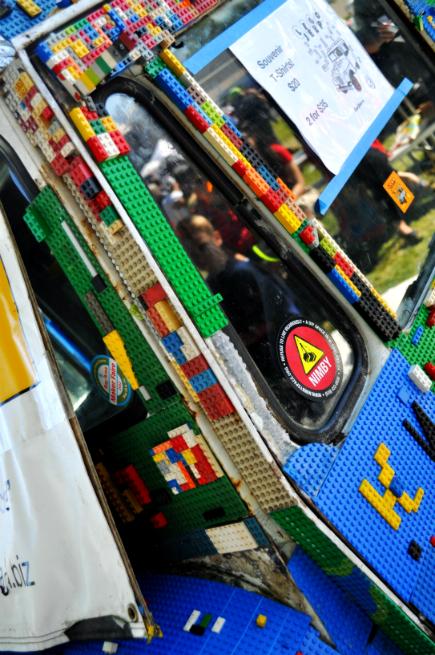 LegoJeepFrontRight